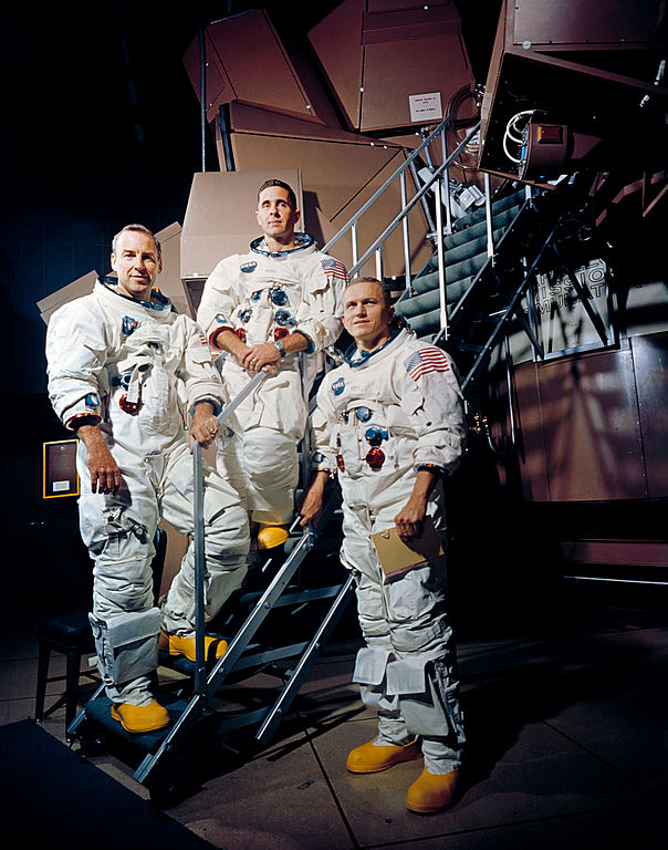 vivliostyle-viewer/samples/adaptive-layout/apollo8/images/Apollo_8_Crewmembers.jpg